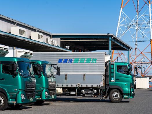 前田運送のトラック